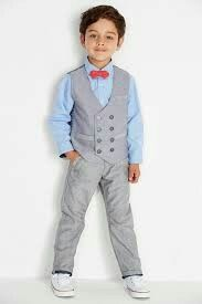 Let your little page boys look cool with these great page boy outfit suggestions! Little Boy Fashion, Baby Boy Fashion, Fashion Kids, Boys Short Suit, Boys Suits, Boys Wedding Suits, Wedding With Kids, Outfits Niños, Kids Outfits