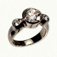 GSR-40 14KY ring with 3 bezel set diamonds