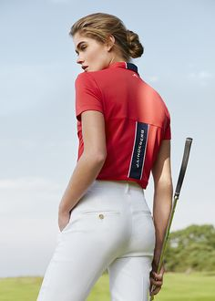 Bridging fashion and function on and off the course. #jlindeberg