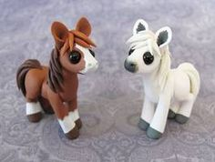 Pony Charity Auction by DragonsAndBeasties on DeviantArt Polymer Clay Figures, Polymer Clay Sculptures, Cute Polymer Clay, Polymer Clay Animals, Cute Clay, Fimo Clay, Polymer Clay Projects, Polymer Clay Charms, Polymer Clay Creations