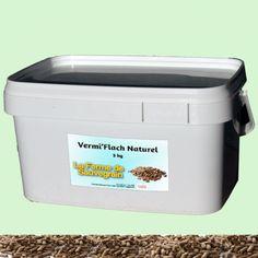 Une Idée pour nos animaux :  Vermifuge naturel pour les poules - VermiFlash - 3 kg VermiFlach est destiné à toutes les volailles de chair et de ponte, il contient un mélange de poudre d'extraits de plantes pour lutter contre les verts ronds et plats ainsi que les coccidies.La solution à base de plantes a une double action :1/Elle agit sur les différents stades de développement des coccidies et protège la muqueuse intestinale.2/Elle perturbe la croissance des vers et les paralyse ce qui facilite Amazon Fr, Solution, Ainsi, Action, Playground, Poultry, Pet Store, Hens, Plants