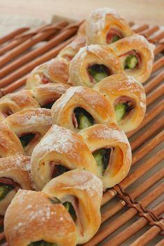アスパラベーコンエピ by とさかりえ | レシピサイト「Nadia | ナディア」プロの料理を無料で検索