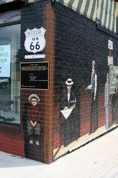 Route 66 in Cuba, Missouri - Mural City