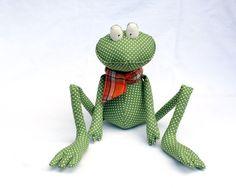 Green Polka Dot Frog stuffed toy by andreavida on Etsy, €23.00
