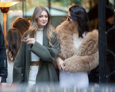 Gigi Hadid & Kendall Jenner Leaving their hotel in Paris and shopping at Gucci