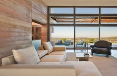 Rammed earth home inspired by spectacular New Mexico landscape
