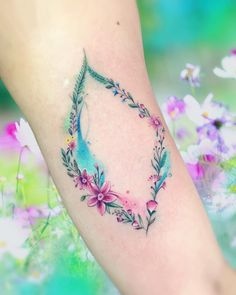 Grab your hot tattoo designs. Get access to thousands of tattoo designs and tattoo photos Tattoo Fleur, Et Tattoo, Tattoo Fonts, Tattoo Shop, Body Art Tattoos, Small Tattoos, Sleeve Tattoos, Watercolor Flower, Watercolor Tattoo