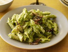 Recipe from Rachel Ray 2/01/12     Asparagus and Pistachio Pesto Pasta
