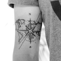 Dominik theWHO Tattoo compass map of the world – Tattoo World Skull Tattoos, Body Art Tattoos, New Tattoos, Sleeve Tattoos, Tattoos For Guys, Tatoos Men, Tattos, Globus Tattoos, Karten Tattoos