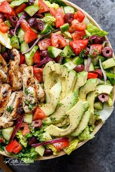 Grilled Lemon Herb Mediterranean Chicken Salad that is full of Mediterranean flavours with a dressing that doubles as a marinade! WEIGHT WATCHERS SMART POINT: 15 per serve