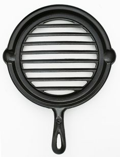 Antique 1890s Rare Larger Size Cast Iron Round Grill Broiler Handled Pan Restaurant Chef Professionally Cleaned Organically Seasoned