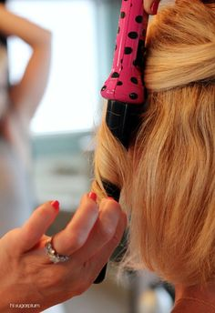 24 Long Wavy Hair Ideas That Are Freaking Hot in 2019 - Style My Hairs Very Short Hair, Long Wavy Hair, Curly Hair, Choppy Hair, Short Hairstyles For Women, Curled Hairstyles, Medium Hairstyles, Wedding Hairstyles, Hair Dos