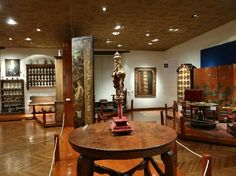 MUSEO FRANZ MEYER   Located in a 16th-century Spanish hospital, this museum features a large collection of colonial art.  Not to be missed!