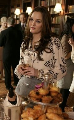 What Would Blair Waldorf Do? 5 Lessons Learned from BW   Luxury Chronicles  luxurychronicles.com Blair Waldorf Style Blair Waldorf Outfits