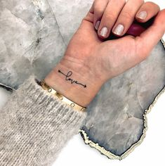 33 Cool Small Wrist Tattoos For Guys – Wrist Designs Wrist Tattoos For Women, Small Wrist Tattoos, Tattoos For Women Small, Foot Tattoos, Sleeve Tattoos, Tattoos For Guys, Temporary Tattoos, Cute Girl Tattoos, Love Wrist Tattoo