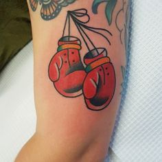 Boxing gloves tattoo done by Fabian Bidart #sunsettattoo www.sunsettattoo.co.nz Bunny Tattoos, Rabbit Tattoos, Mom Tattoos, Future Tattoos, Tattoo You, Boxing Gloves Tattoo, Boxing Tattoos, Traditional Tattoo Boxer, Hase Tattoos
