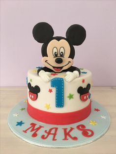 Cake first birthday 😍 - Cake Decorating Dıy Ideen Mickey Birthday Cakes, Boys First Birthday Cake, Mickey 1st Birthdays, Mickey Mouse Birthday Cake, Mickey Mouse Cupcakes, Mickey Cakes, Cupcake Topping, Pastel Mickey, Bolo Mickey