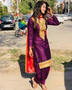 Salwar Dress, Punjabi Salwar Suits, Punjabi Dress, Patiala Salwar, Patiala Suit Designs, Salwar Designs, Beautiful Suit, Beautiful Girl Indian, Punjabi Fashion