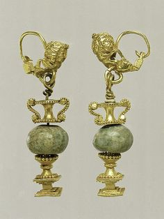 Gold and beryl earrings - Hellenistic period from Cyprus - MET