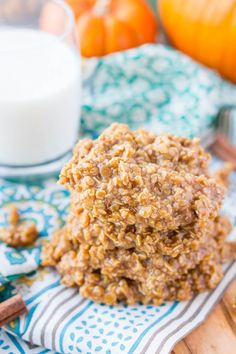 These Pumpkin No Bake Cookies are crazy delicious and so simple to make! Made with oatmeal, pumpkin spice pudding mix, sugar, butter, and more! Pumpkin No Bake Cookies, Pumpkin Cookie Recipe, Sugar Cookies Recipe, Pumpkin Recipes, Pumpkin Spice, Pumpkin Pumpkin, Fall Cookies, Fall Dessert Recipes, Fall Desserts