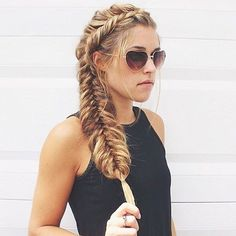 Looking forward to those summer days! ☀️ This braid is a side dutch fishtail by @abigailrosehair
