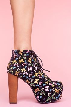 Lita Platform Boot - Butterfly Shoes Hui Chan Carver Gal I want these so bad Cute Shoes, On Shoes, Me Too Shoes, Shoe Boots, Shoes Heels, Butterfly Shoes, Butterfly Fashion, Shoe Carousel, Platform Boots