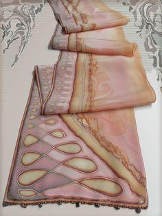 From GENEZAfiberART (Djakovo, Osječko-baranjska… Paisley Design, Paisley Pattern, Spring Scarves, Painting Workshop, Silk Art, Scarf Design, Linocut Prints, Fabric Painting, Silk Scarves
