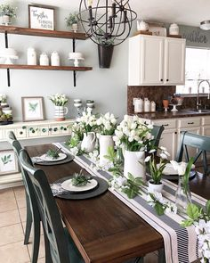 Spring tablescape. Dining room farmhouse style.