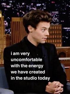 Harry Styles Memes, Harry Styles Pictures, One Direction Humor, One Direction Pictures, Response Memes, Text Memes, Funny Reaction Pictures, Meme Faces, Stupid Memes