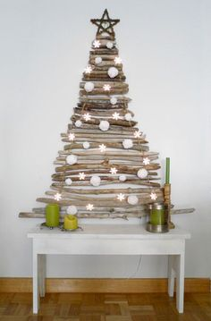 If you want to quit the conventional Christmas tree and get something unusual, this is the place for you. Here are 16 Clever Unconventional Christmas Tree Ideas Recycled Christmas Tree, Driftwood Christmas Tree, Modern Christmas Decor, Natural Christmas, Xmas Tree, Christmas Trees, Christmas Holidays, Christmas Crafts, Christmas Decorations