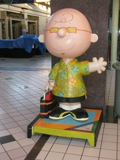 Join us on our tour of Santa Rosa Snoopy, Charlie Brown, Woodstock, Linus and Lucy statues during the 2010 Beaglefest Peanuts collector gathering.