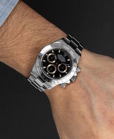 It's getting serious: The Rolex Daytona Ref. 16520 in stainless steel and with a black dial is one of the most famous, most stable and most sought-after watches of all time. Buy Rolex, Rolex Models, Luxury Watch Brands, Rolex Daytona, Rolex Watches, Stainless Steel, Stuff To Buy, Accessories, Black