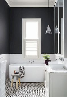 Small Bathroom Ideas In Black And White Patterned bathroom floor tiles are all the rage these days. One of the most fun places to use patterned bathroom floor tiles is in a bathroom. Bad Inspiration, Bathroom Inspiration, Ideas Baños, Decor Ideas, Tile Ideas, Decorating Ideas, Bathroom Design Small, Small Bathrooms, Bathroom Designs