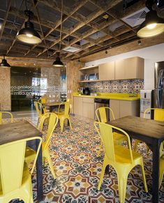 Booking.com Office by aei arquitectura e interiores - Office Snapshots
