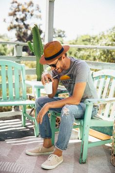 My god its been hot lately. As I mentioned before Ive been scrambling to find short sleeve shirts and The post Vintage Inspired Summer Outfit appeared first on Stay Classic. Mens Style Looks, Men's Style, Miami Mode, Look 2017, Summer Outfits Men, Mens Trends, Miami Fashion, Stylish Men, Menswear