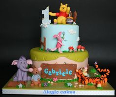 Winnie Pooh and friends - Cake by Alessandra Rainone Winnie The Pooh Cake, Winnie The Pooh Nursery, Winnie The Pooh Birthday, Winnie The Pooh Friends, Beautiful Cakes, Amazing Cakes, Birthday Parties, Birthday Cakes, Birthday Ideas