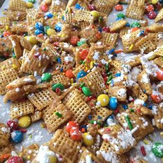 Rainbow chex mix from @The Cards We Drew -YUM!