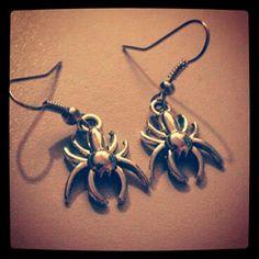 Spooky spider earrings