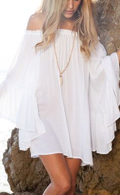 Rock out with your white ethereal chiffon mini dress in this HOT summer!Just show yourself! Enjoy yourself at OASAP!
