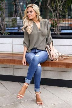 Best Outfits For Women Over 50 - Fashion Trends 50 Fashion, Look Fashion, Womens Fashion, Fashion Trends, Fashion Mode, Feminine Fashion, Fall Fashion, Fashion 2018, Fashion Outfits
