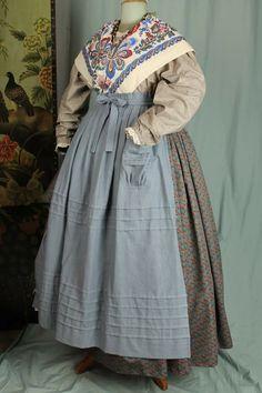 Aurreko mantala Mrs Claus Dress, European Dress, Apron Pockets, Traditional Fashion, Zulu, Historical Costume, Vintage Outfits, Costumes, Clothing