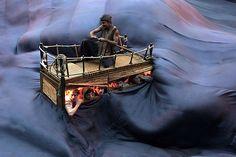 Une création collective mi-écrite par Hélène Cixous, sur une proposition d'Ariane Mnouchkine, librement inspirée d'un mystérieux roman posthume de Jules Verne