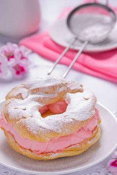 Sweet Desserts, Just Desserts, Sweet Recipes, Delicious Desserts, Dessert Recipes, Yummy Food, French Desserts, Eclairs, Profiteroles