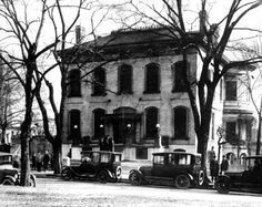 Lemp Mansion: Tales of a Cursed Family and Their Haunted House - Neatorama