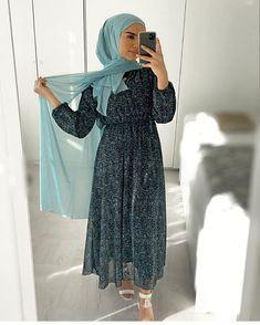 Hijab Fashion 699535754610849372 - Source by aysegulkirsehirli Hijab Fashion Summer, Modest Fashion Hijab, Modern Hijab Fashion, Muslim Women Fashion, Hijab Fashion Inspiration, Abaya Fashion, African Fashion Dresses, Skirt Fashion, Fashion Fashion