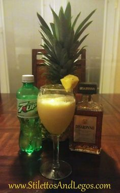 Perfect drink for MOM! Pineapple Amaretto Smoothie – 84 calories of heaven I bet! Party Drinks, Cocktail Drinks, Fun Drinks, Beverages, Cocktails, Refreshing Drinks, Summer Drinks, Holiday Drinks, Under 100 Calories