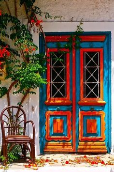 This door was taken from Thassos, Greece. Playing with colours brings life to a front door Cool Doors, The Doors, Unique Doors, Entrance Doors, Doorway, Windows And Doors, Entrance Lighting, House Entrance, Grand Entrance