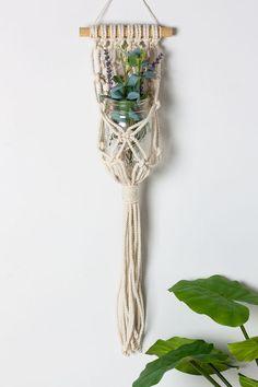 Hanging-Macrame-Planter-DIY