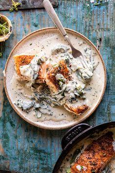 Garlic Butter Creamed Spinach Salmon - Pratik Hızlı ve Kolay Yemek Tarifleri Salmon Recipes, Fish Recipes, Seafood Recipes, Cooking Recipes, Healthy Recipes, Dinner Recipes, Fancy Recipes, Salmon Food, Recipies