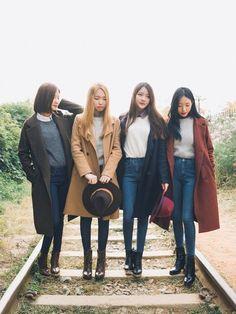 Offizielle koreanische Mode: Korean Fashion Similar Look - Fashion Outfits Fashion Mode, Korea Fashion, Asian Fashion, Look Fashion, New Fashion, Trendy Fashion, Fashion Outfits, Fashion Tips, Fashion Ideas